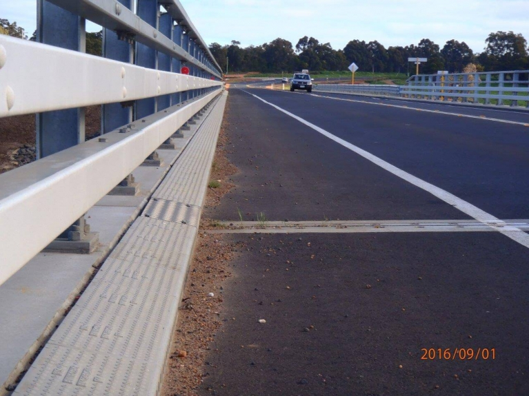 foto-4-australia-bridgedrainage.jpg