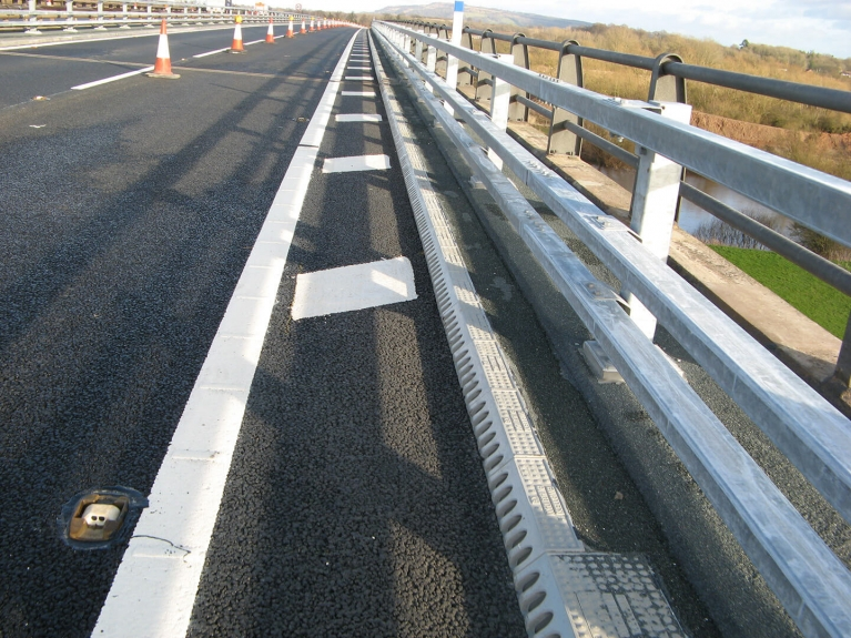 foto-1-queenhill-bridgedrainage.jpeg