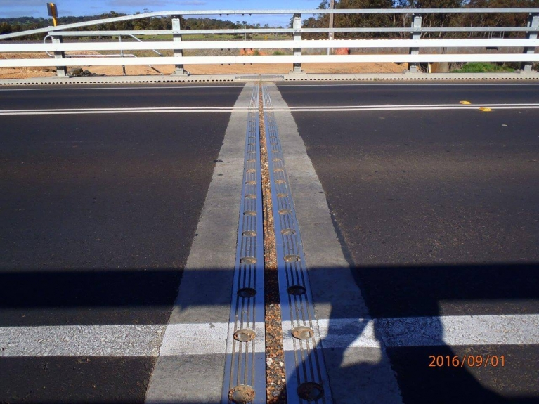 foto-11-australia-bridgedrainage.jpg